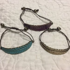 Jewelry - Feather pull bracelets